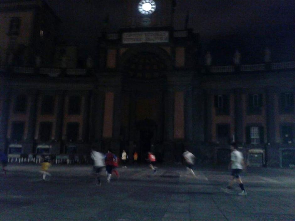 Stadio del Napoli in Piazza Dante